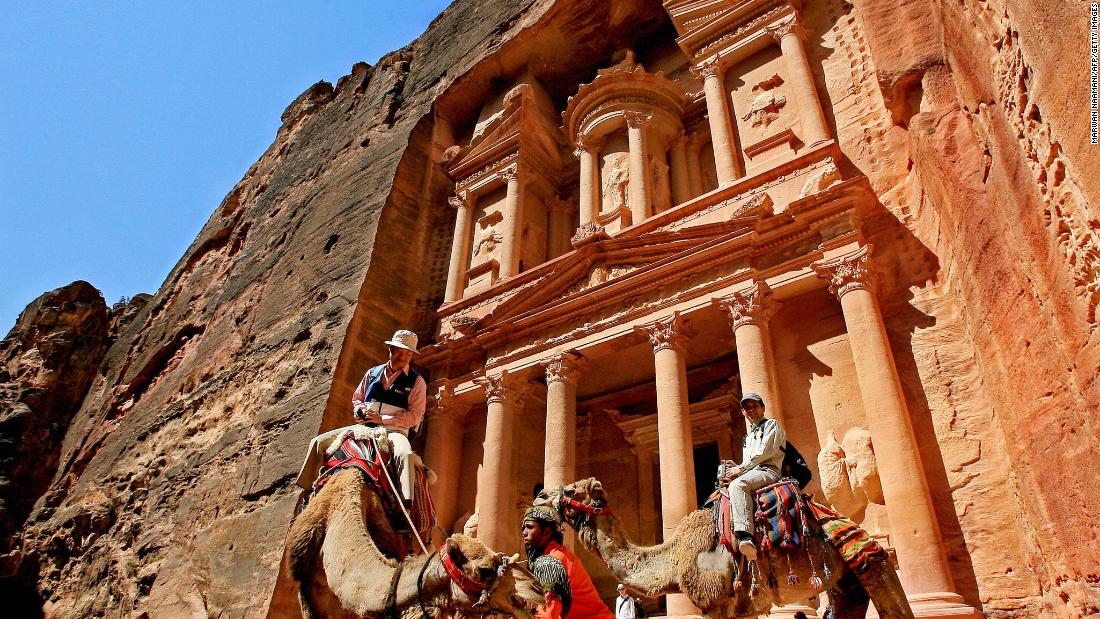 How many UNESCO World Heritage sites are there?