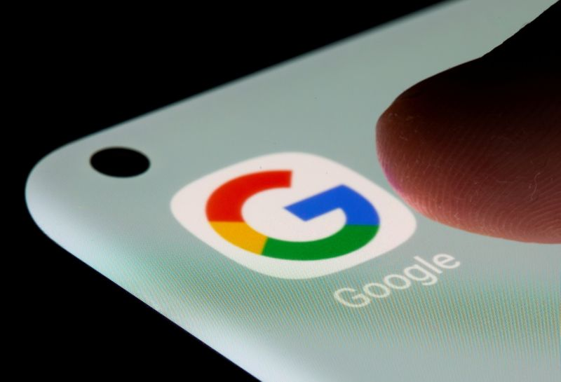 Russia fines Google for not deleting banned content