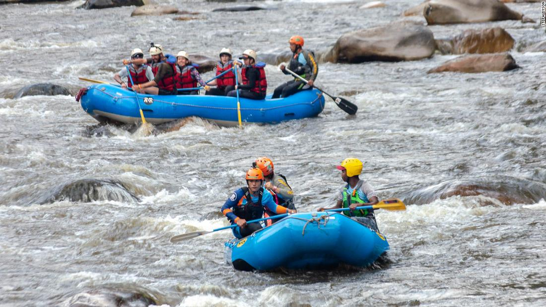 Rafting Colombia's Pato River with former FARC combatants