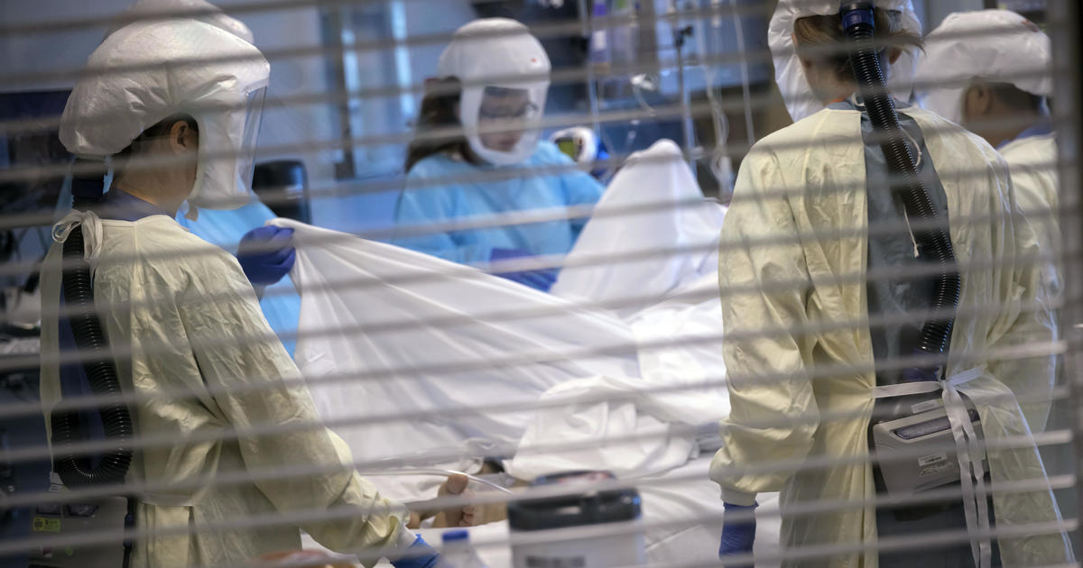 U.S. COVID death toll hits 700,000
